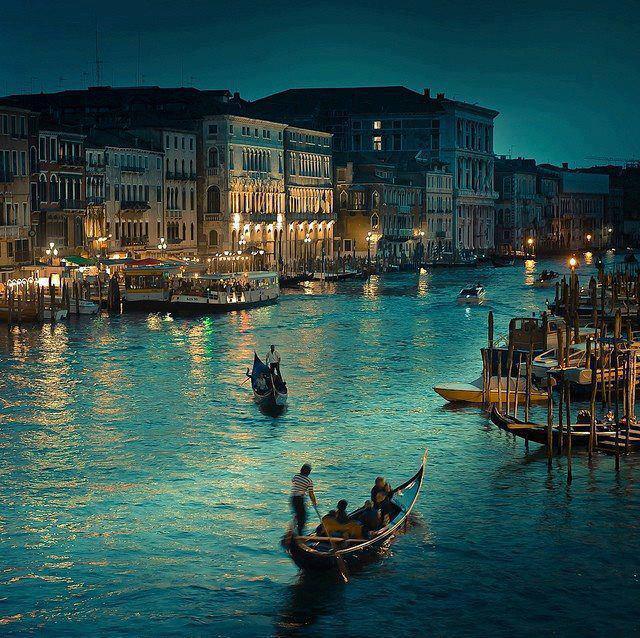 رحلة إلى مدينة القوارب البندقية '' فينيسيا  539054_318231254940498_10561789_n