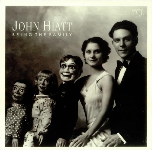 ¿Qué Estás Escuchando? - Página 28 John-Hiatt-Bring-The-Family-450727