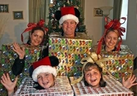 Fotos de Natal Bizarras... O que fui encontrar!!! A98441_xmas-card_7