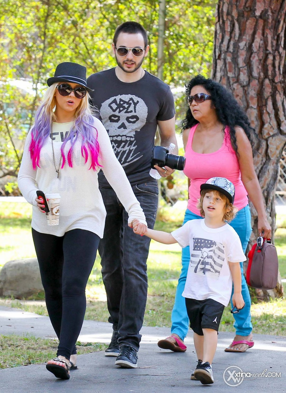 [Fotos] Christina, Max y Matt en Studio City (California) 7/10/2012 04
