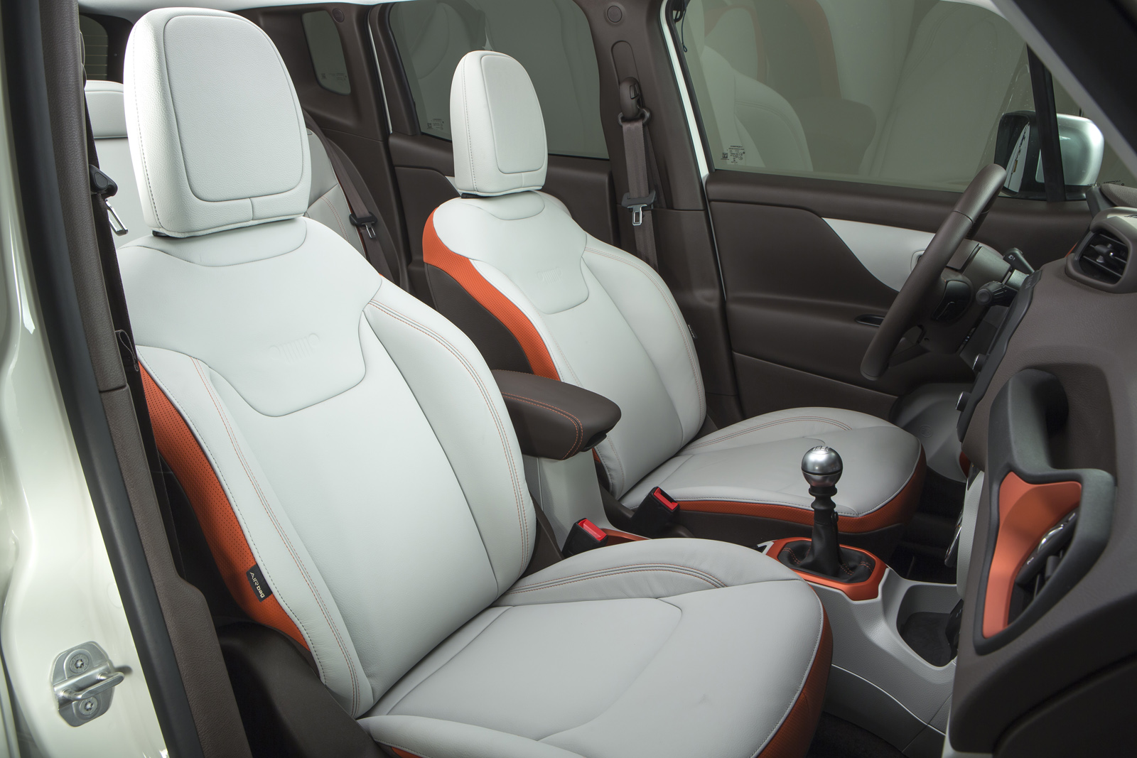 2014 - [Jeep] Renegade - Page 10 Jeep-Renegade-Limited-41