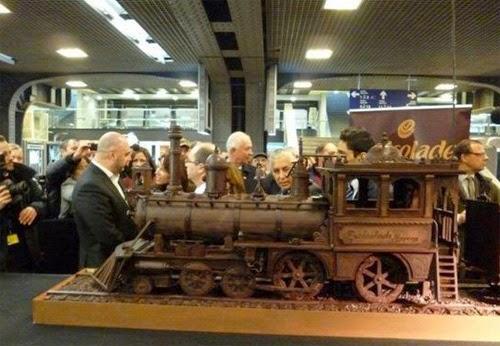صنع أكبر قطار فى العالم من الشيكولاتة!  4