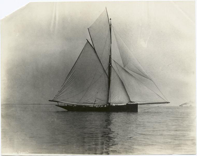 Puritan, sloop de 1885 Genesta