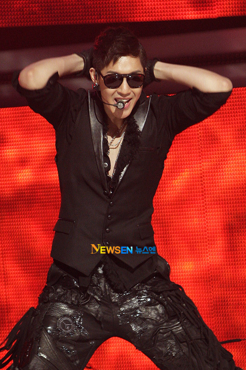 Kim Hyun Joong - Break Down  - Page 2 Hyunjoong