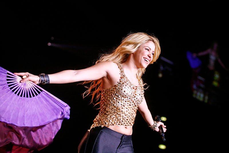 Galería » Apariciones, candids, conciertos... - Página 2 Shakira_arena8_393640S0