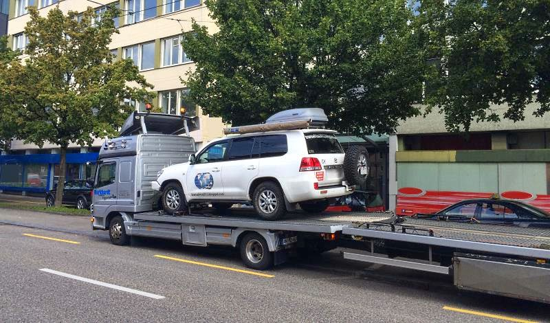How to: ship your car to Iceland  Klein-lkw-transport-island-verschiffung-roro-container-autof%C3%A4hre