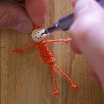 Плетем человечка (очень просто) DSC09487