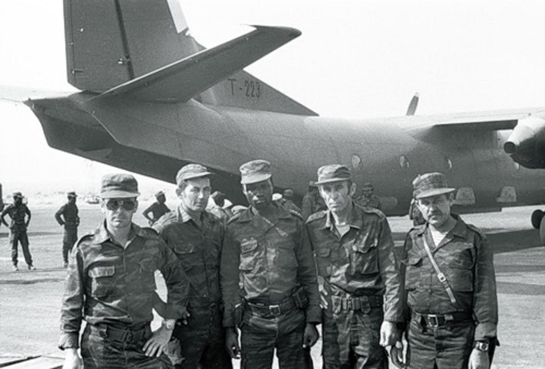 soldats cubains et russes ANGOLA%2BAN-26%2BT-223%2BRUSOS%2BBIS