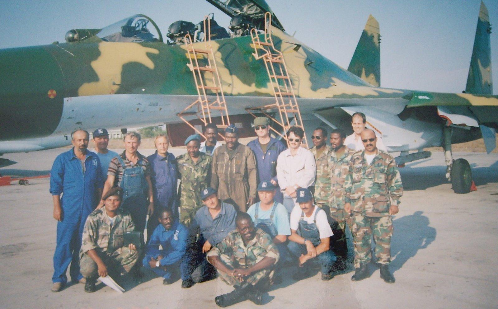 Armée Angolaise/Angolan Armed Forces SU-27%2BANGOLA%2B1