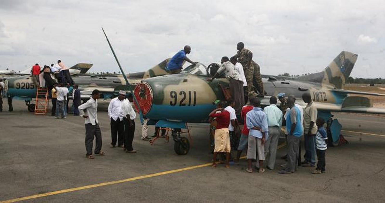 Armée tanzanienne / Tanzania Peoples' Defence Force ( TPDF ) - Page 2 F-6%2B9211%2BY%2B9205%2BTANZANOS%2B27-08-2009