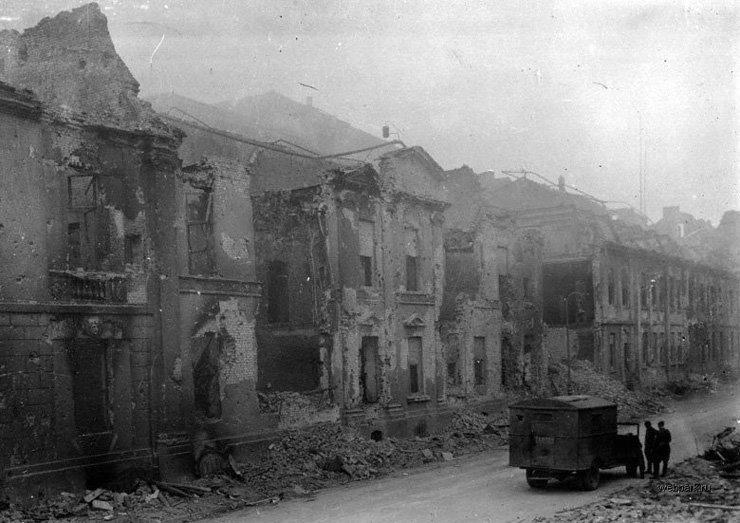 BERLIN. 1945 18