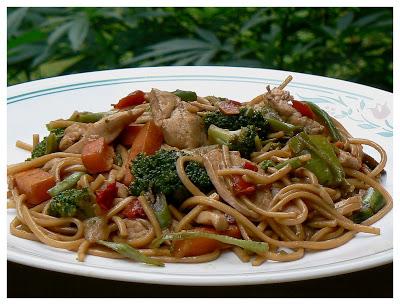 Nouilles chinoises au poulet P1400457