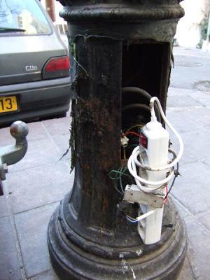 Bornes de recharge High-tech Branchement_sauvage