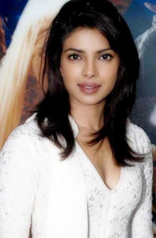 Priyanka Chopra - Stránka 3 Priyanka_Chopra_Nice_Photo-317x484