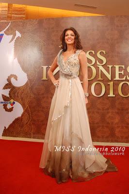 Kaiane Aldorino - Miss World 2009- Official Thread (Gibraltar) - Page 4 Aldorinob