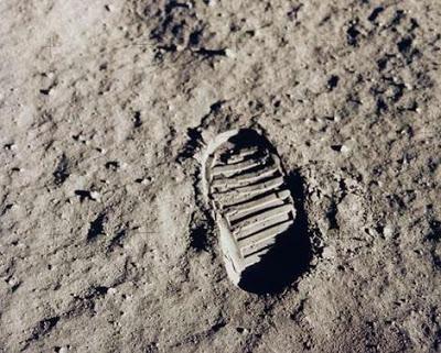 Proof Stanley Kubrick Filmed Fake Moon Footage Aafirstbootprint