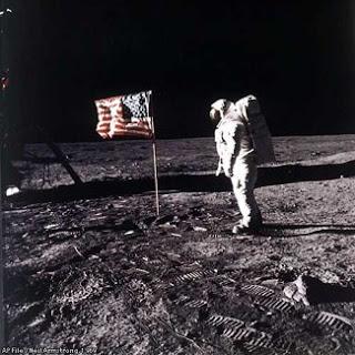 Proof Stanley Kubrick Filmed Fake Moon Footage Aacsp_moon-landing