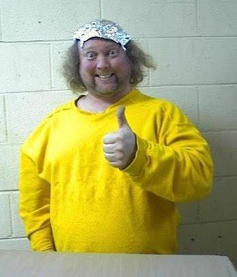 Olha, Morreu o Bin Laden Tinfoil_hat