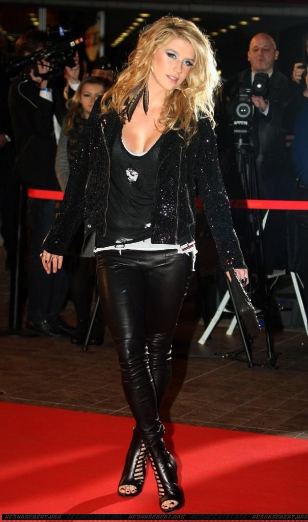 The Off Topic Awards II ( OT del año: Soldier, PAG. 1 - GANADORES - AHORA AFTERPARTY )  - Página 2 Kesha-605x1024