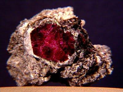 Kristali - drago i poludrago kamenje - Page 5 Ruby4