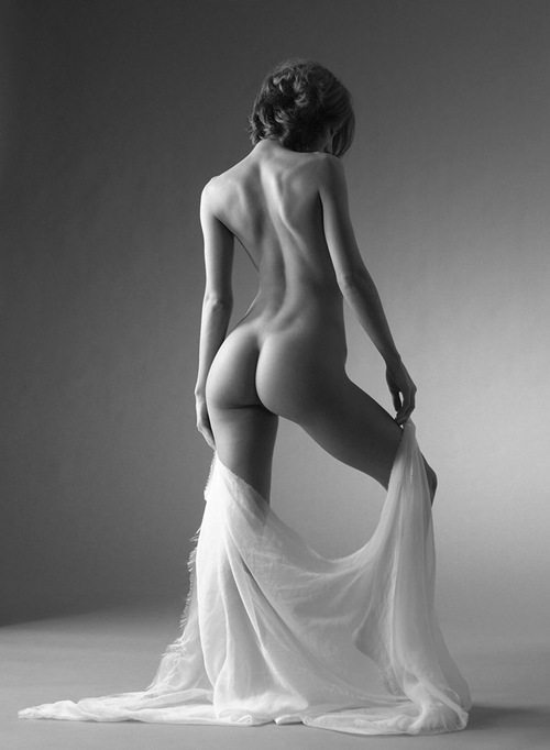 Fotografia nud - arta sau pornografie? - Pagina 32 Rael_IX_by_mjranum