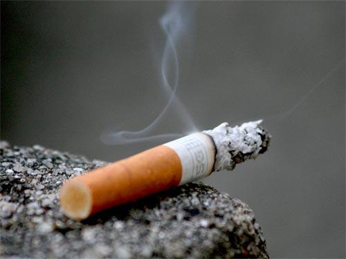 Tελευταίο τσιγάρο 2008-04-smoking-cigarette