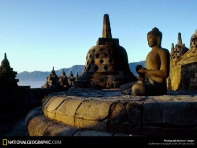 ESAI: Negara Manakah Terkaya di Dunia? Borobudur-temple-292612-lw