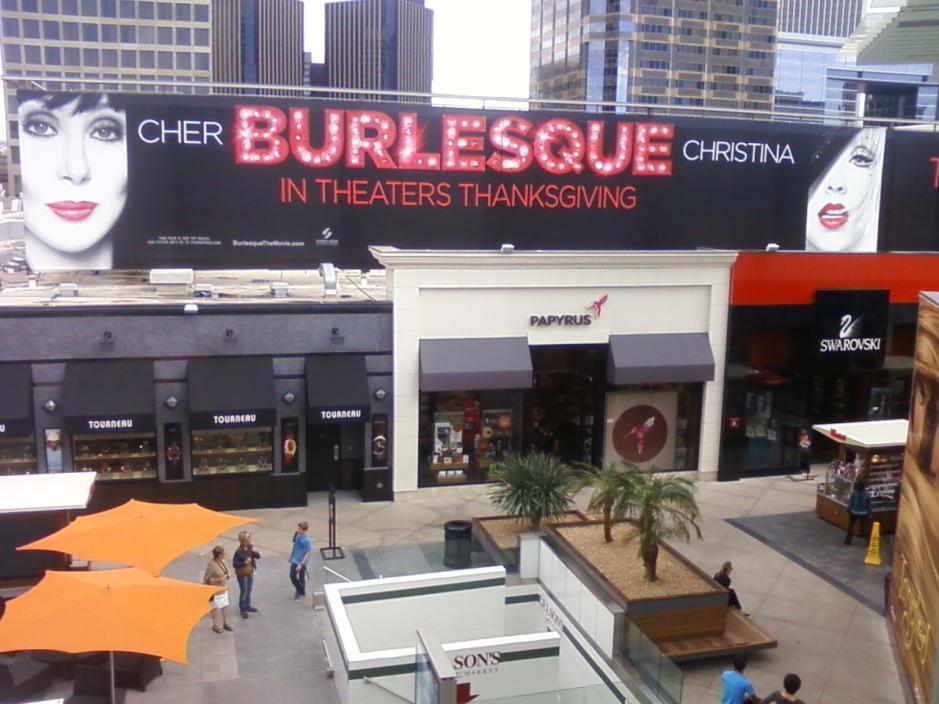 [Fotos] Comienza la Promo 'Burlesque' en las Salas de Cine (Reunamos Fotos) - Página 2 Century1