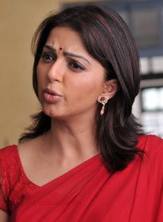 Bomika Chawla Indian Actress Bhumika_chawla_saree_thakita_thakita_06