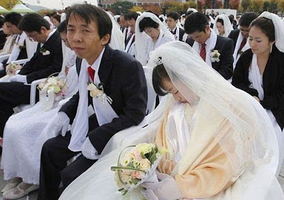عرسان اخر زمن Funny_wedding_pictures_18
