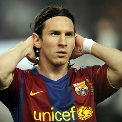 """في أصعب لحظات الموسم: فيديو لميسي عبر """"الشات"""" مع حسناء ارجنتينية يحدث بلبلة اعلامية ! Messi-3"""