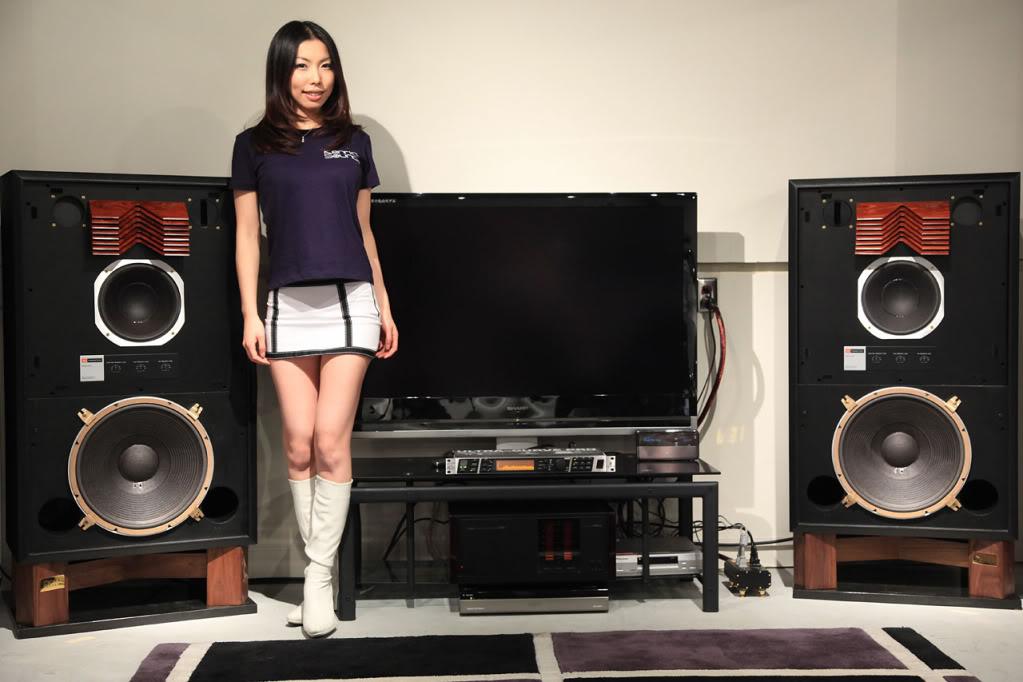 "Efeito WAF ""The Golden Age of Hi-Fi (ladies-of)"" Jbl_girl"