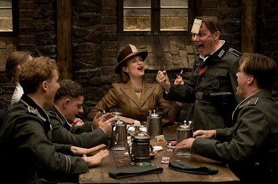 CRITIQUE CINEMA - Page 2 Inglorious-basterds-inglorious-basterds-2009-2008-4-g