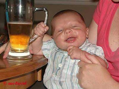 பிஞ்சிலே பழுத்தவங்க!! Funny-babies-holding-a-beer1