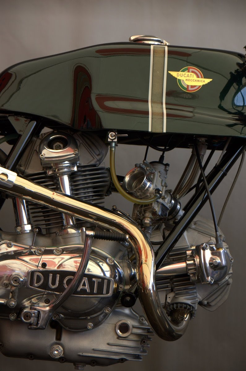 parfaite Ducati%2BSport%2BDesmo%2Bspecial%2B2