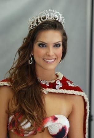 Começamos por aki ..as nossas Misses  - Página 2 D4c40_miss_brasil-debora-lira