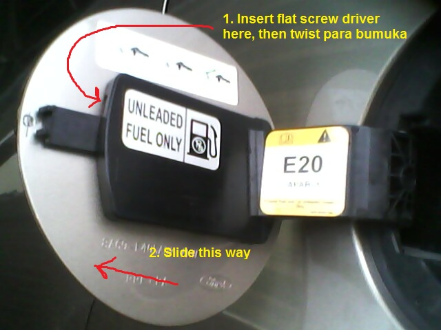 How to remove your fuel port cover so that you can glue it back avoiding it accidentally falling off. Fiesta_Fuel_Cover_remove