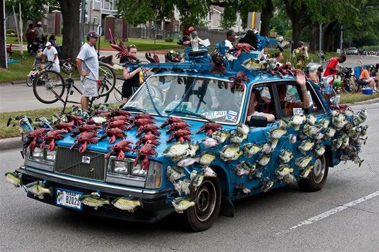 வித்தியாசமான கார்களின் அணிவகுப்பு. Houstoncarparade2010n