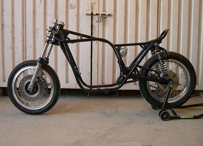 Kawa Z1 Café Racer Roller