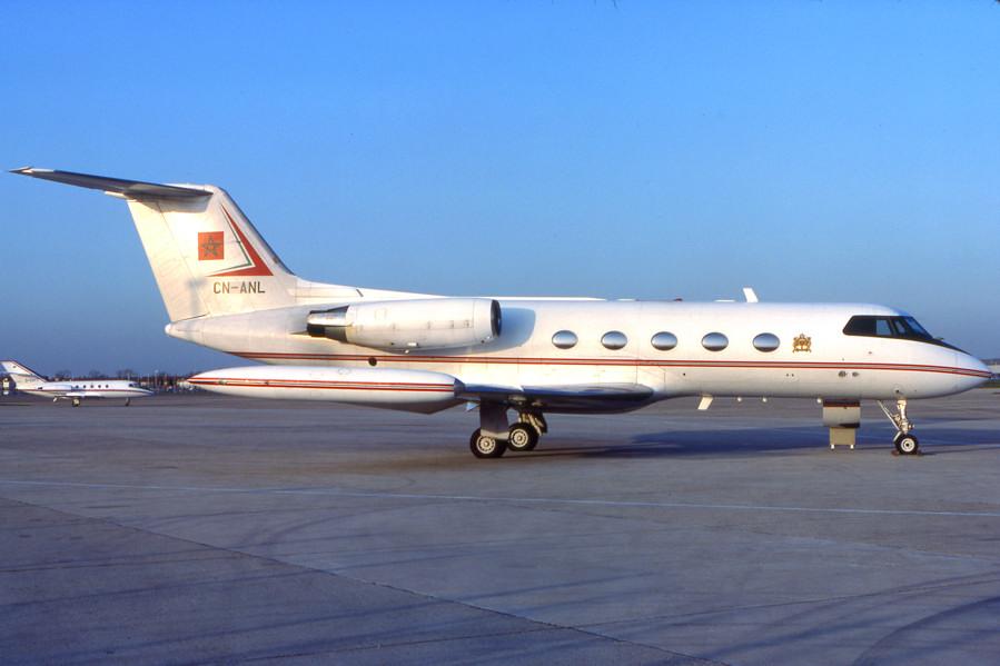 FRA: Avions VIP, Liaison & ECM - Page 2 0253-016_900px