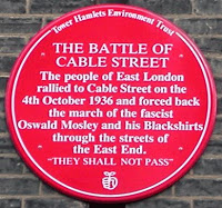 La Batalla de Cable Street Battle-of-Cable-Street-red-plaque_2