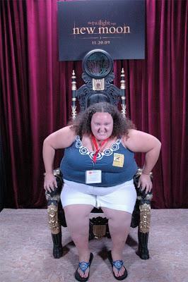 Comic Con 2009 New-moon-twilight-volturi-chair-throne