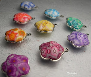 Изготовление цветочных шармиков Tut16