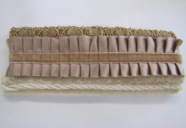 Браслет-манжета из ткани, лент и кружев IMG_8381