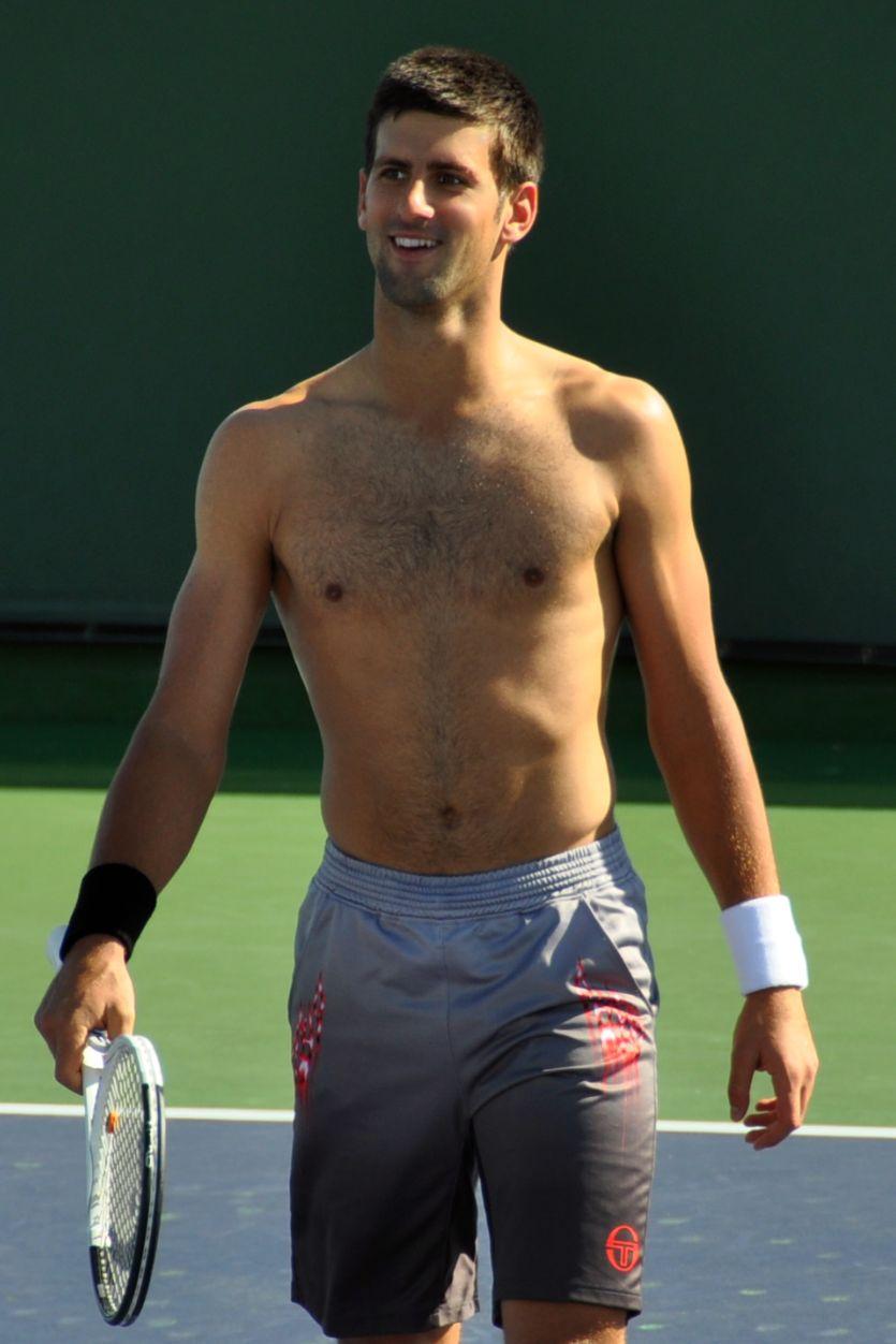 Pour les Bisexuelles : ces mecs qui vous font craquer !  - Page 3 NovakDjokovic11