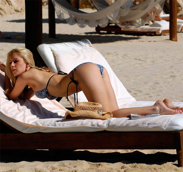 Hot or Not - Page 2 Heidi_montag_swimsuitline