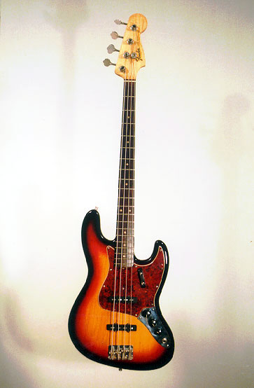 oltre al fuoristrada... :) Fender%252520Jazz%252520Bass