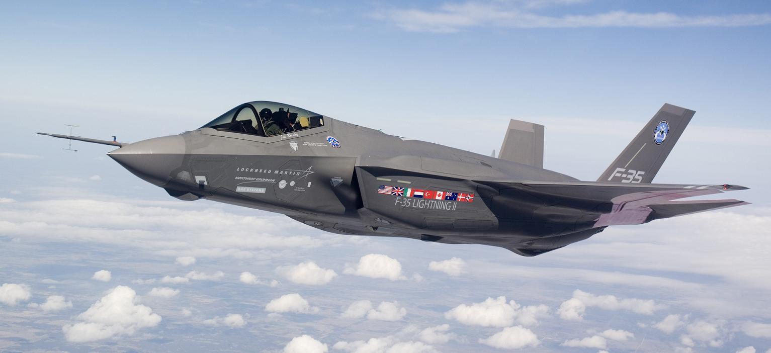الموضوع التاني في سلسلة المقارنات : SU35 vs F35 - صفحة 3 F-35A%2BLightning%2BII