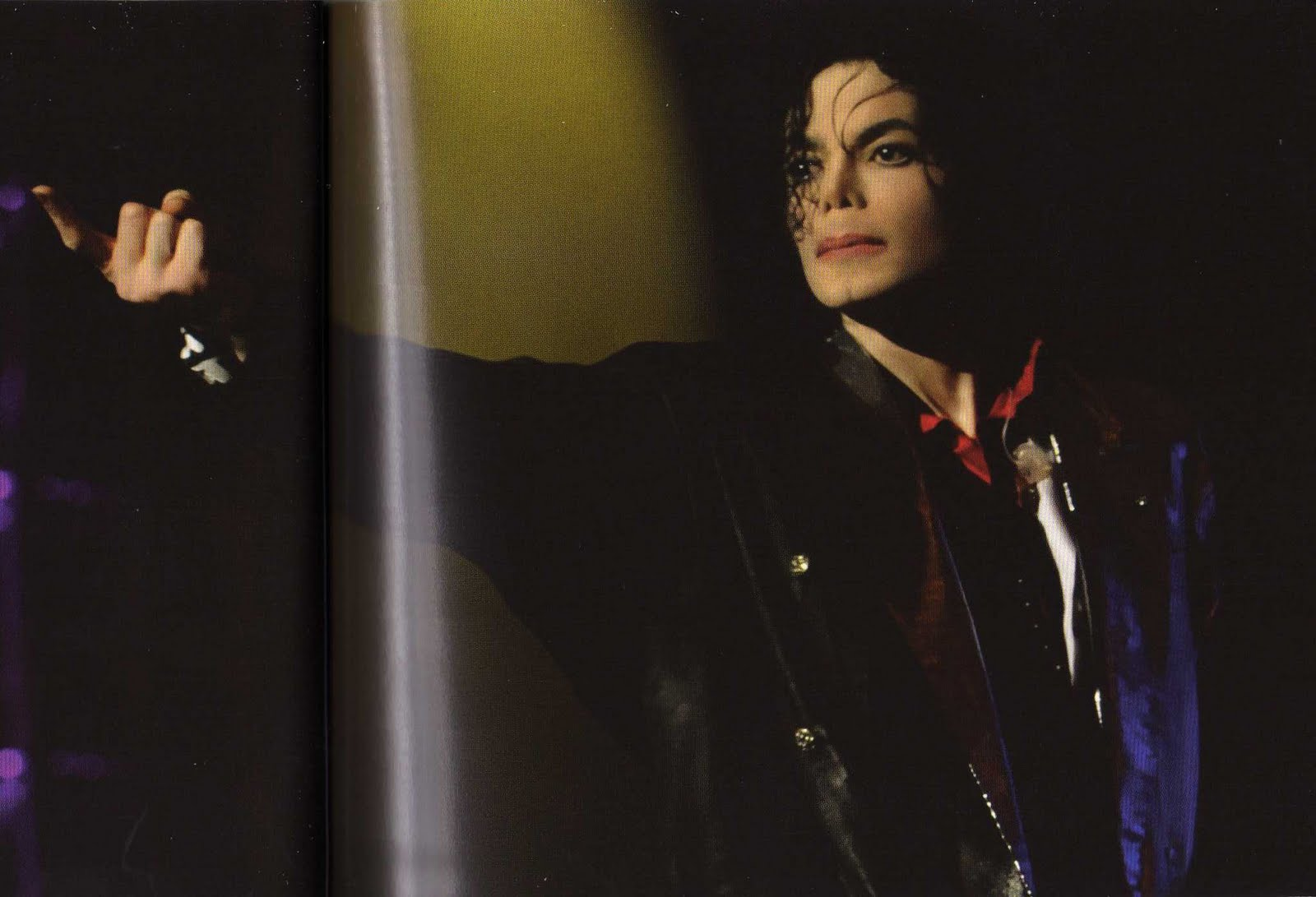 HOLY CRAP, LOOK AT THESE HQ SCANS!! *Dies* New Photos added- Tiicd8