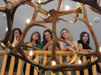 Une nouvelle adaptation moderne de Pride & Prejudice Bennet_girls_cast_reading_pandp2010